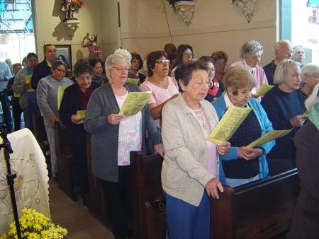 Missa na Paróquia São Miguel Arcanjo